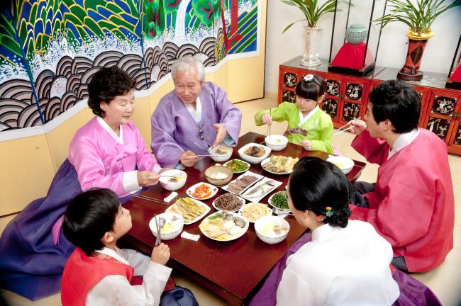 เมนูวันตรุษเกาหลีสุดฮิต – คนเกาหลีกินอะไรกันในวันตรุษจีน (วันตรุษเกาหลี)