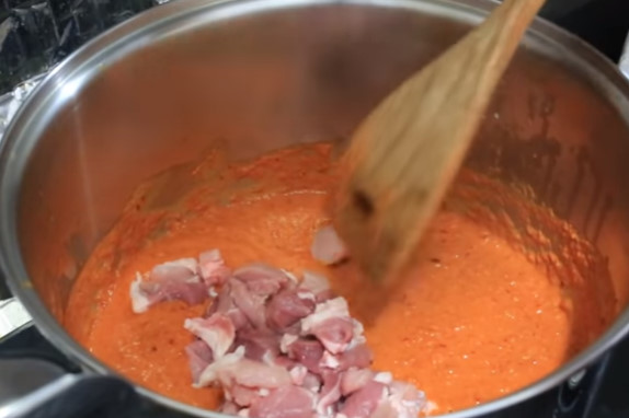 เคล็ดลับการทำ แกงเผ็ดหมูมะเขือเปราะ ให้อร่อยเหมือนกับร้านขายข้าว