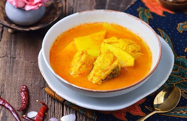 เมนู แกงส้มปลากระพงยอดมะพร้าวอ่อน